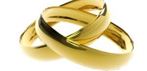 615 rings marriage DM7 shutterstock